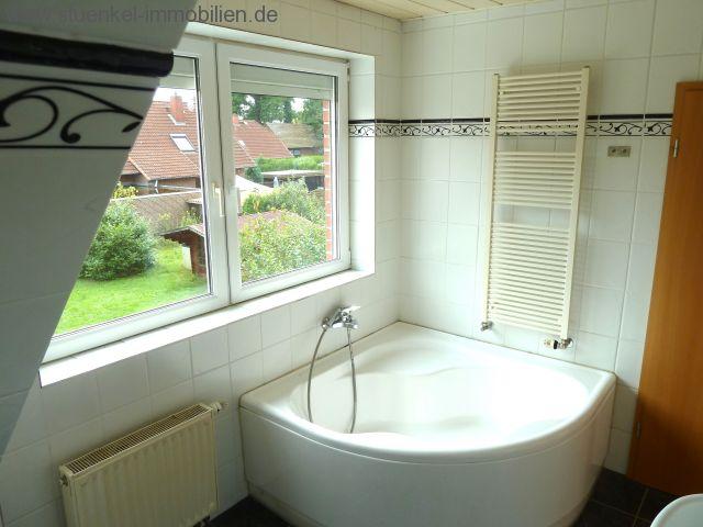 Eckbadewanne mit dusche  Vermittelte Objekte - Neustadt - gut geschnittenes, großzügiges ...