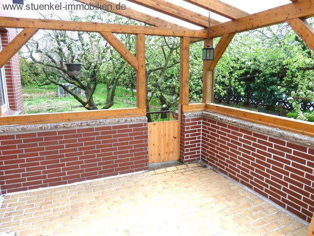 vermittelte objekte - hagenburg - zweifamilienhaus mit vielen, Garten und Bauen