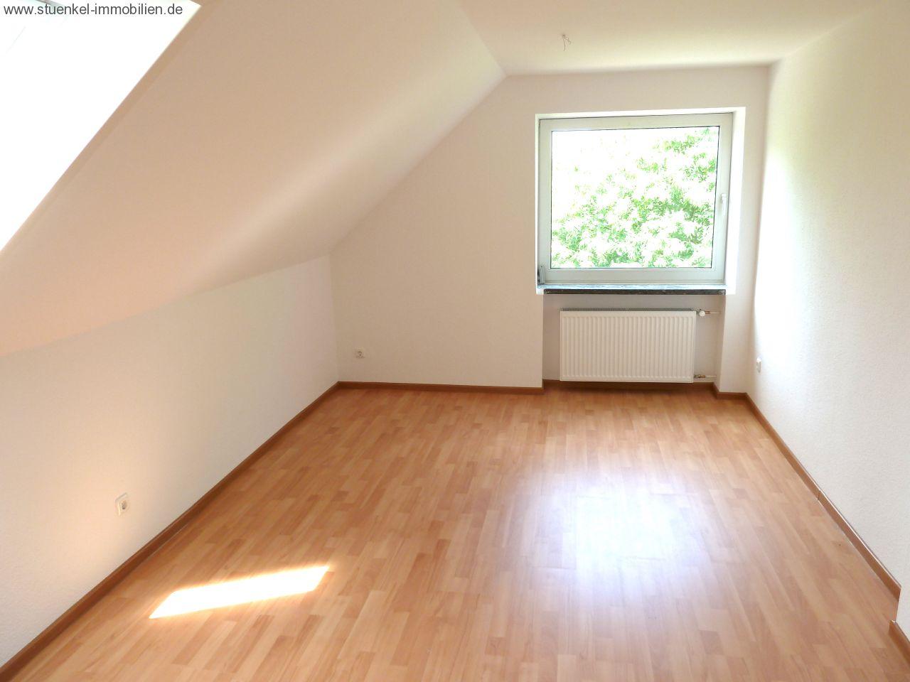 vermittelte objekte - neustadt - moderne 3 zimmer wohnung ... - Moderne Renovierung Wohnzimmer